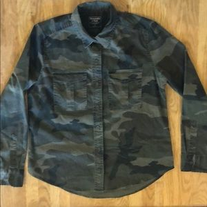 Abercrombie & Fitch camouflaged button down shirt